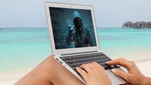 Come difendersi dagli hacker durante le vacanze