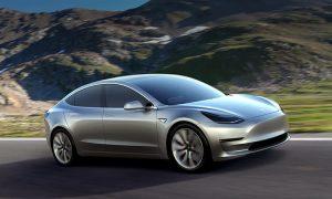 La Nuova Tesla Model 3 con autonomia fino a 500km